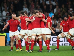 Wales_players_celebrate_Wales_v_England_RWC_2015