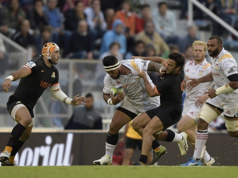 Chiefs edge thriller in Buenos Aires